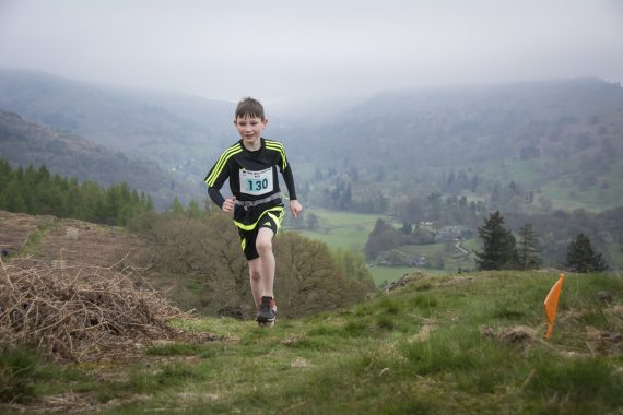 DSC8899 570x380 Todd Crag Fell Race Photos 2017