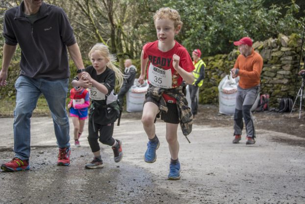 DSC4297 622x415 Todd Crag Junior Fell Race Photos 2018