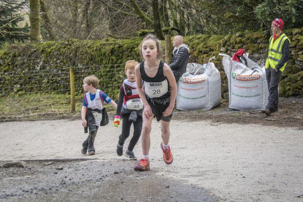 DSC4329 622x415 Todd Crag Junior Fell Race Photos 2018