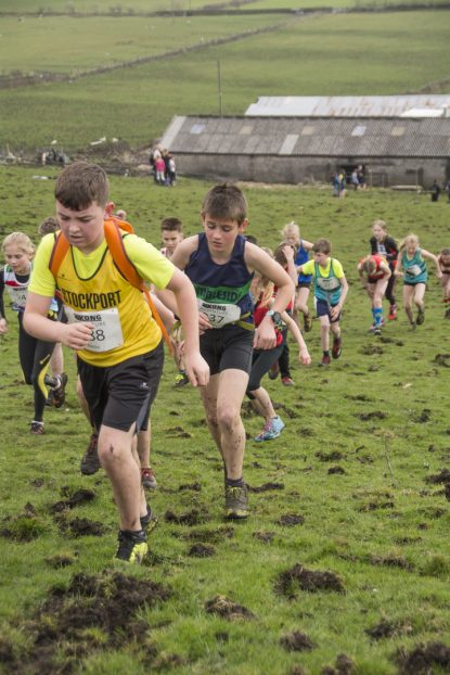 DSC5319 415x622 Blacko Fell Race Photos 2018