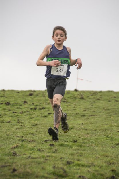 DSC5336 415x622 Blacko Fell Race Photos 2018