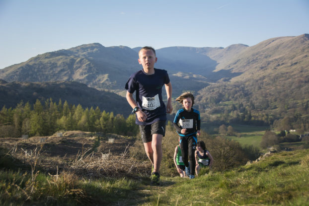 DSC0466 622x415 Todd Cragg Fell Race Photos 2019
