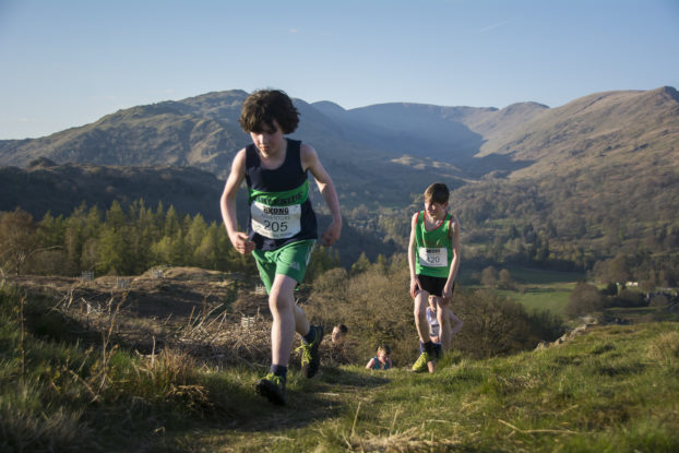 DSC0471 622x415 Todd Cragg Fell Race Photos 2019