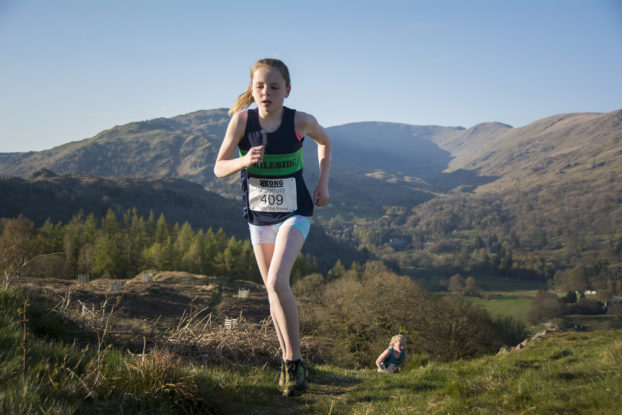 DSC0476 622x415 Todd Cragg Fell Race Photos 2019
