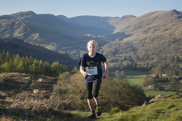 DSC0489 622x415 Todd Cragg Fell Race Photos 2019