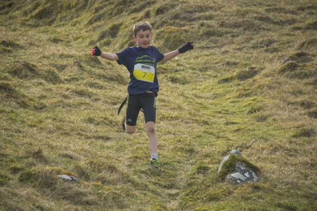 DSC0768 622x415 Kettlewell Fell Race Photos 2019
