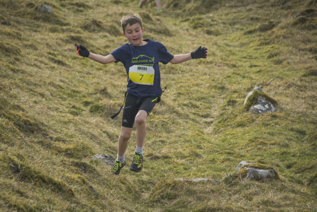 DSC0772 622x415 Kettlewell Fell Race Photos 2019